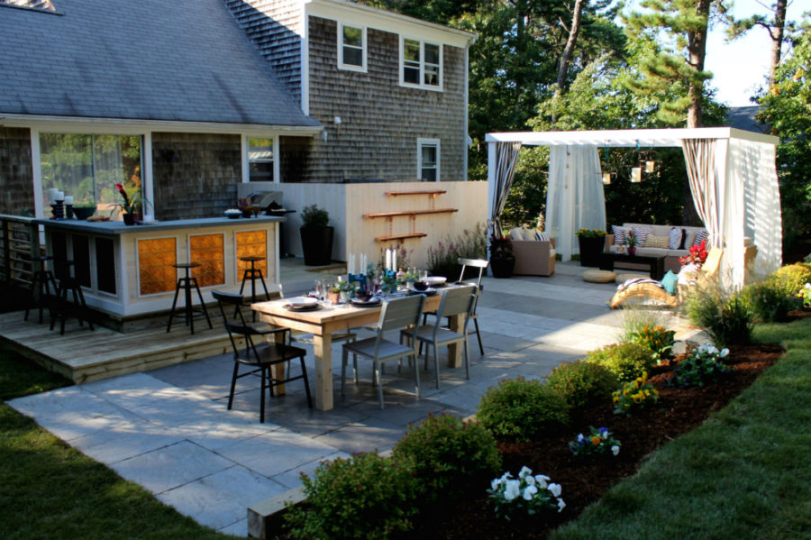 How To Create An Awesome Entertainment Space In Backyard